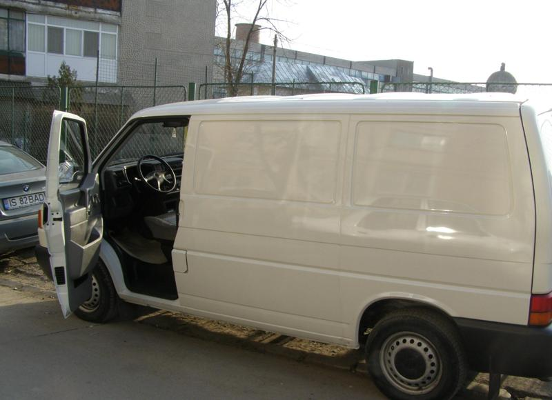 Vand autoutilitara volkswagen transporter t4 an 2001