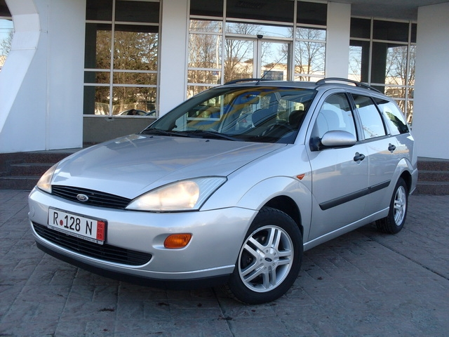 Ford focus 1.6i euro 4 model futura clima
