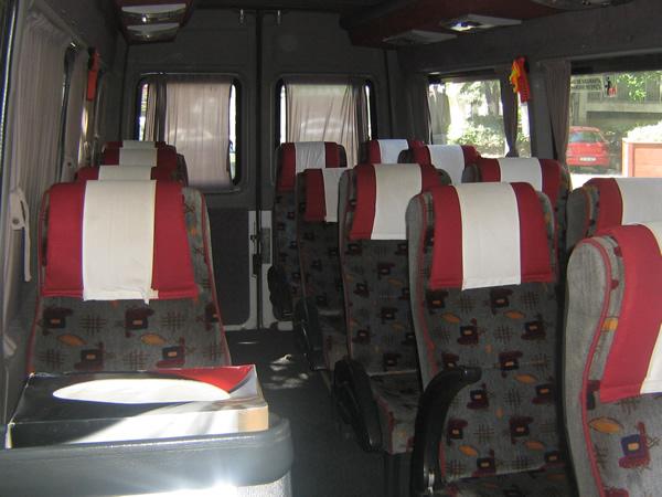 Inchiriez microbuze transport persoane
