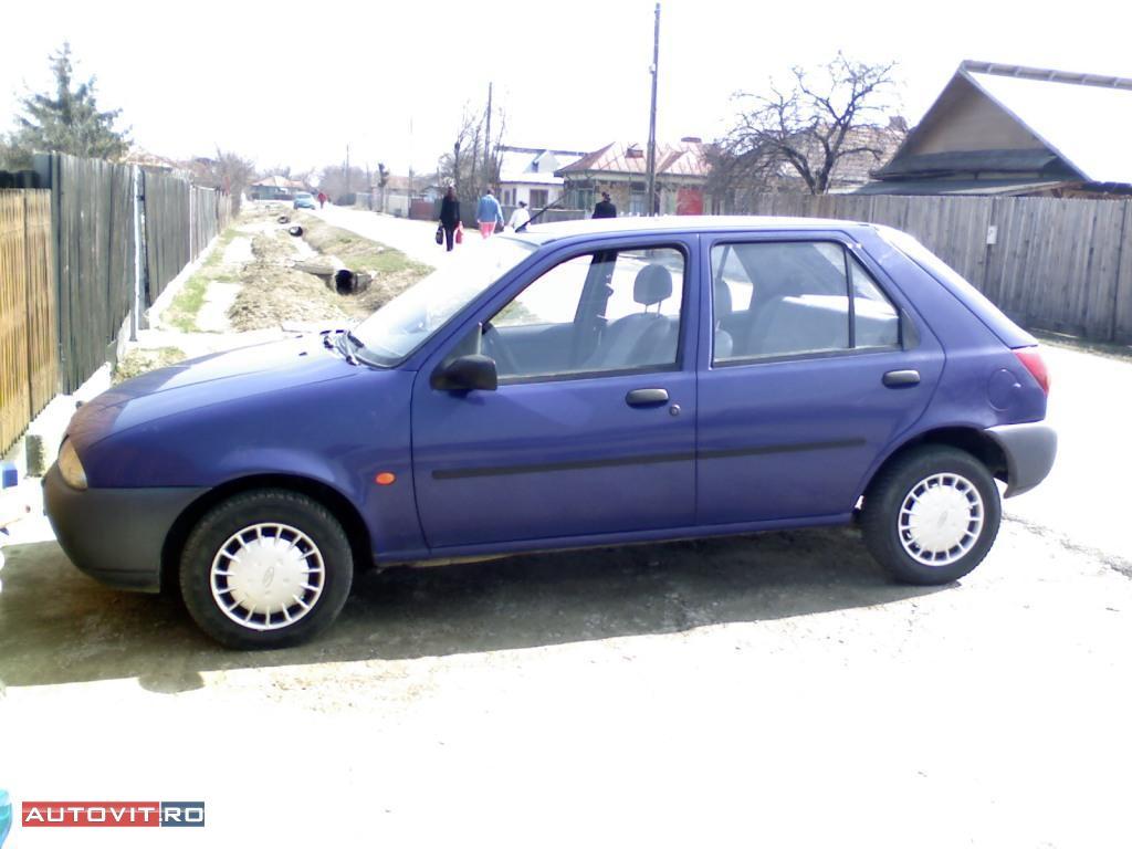 Vand ford fiesta an 1998,inmatriculata in 2009,125000 km,cul