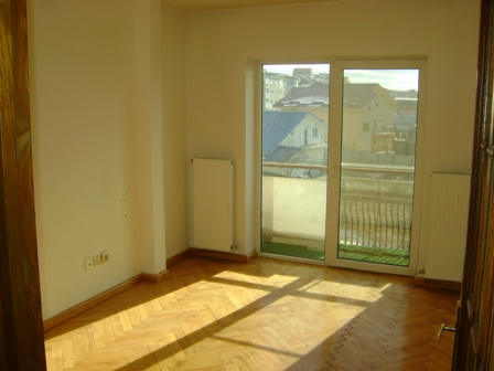 Apartament 3 decomandate, 107 mp, str. venus.