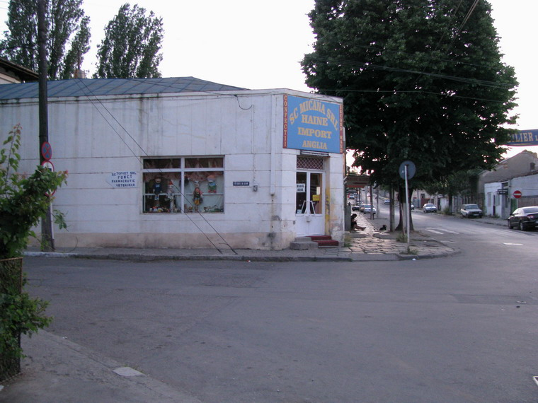 Vand teren intravilan cu spatii comerciale Galati