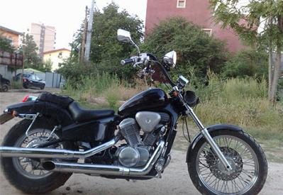 Motocicleta chopper honda shadow